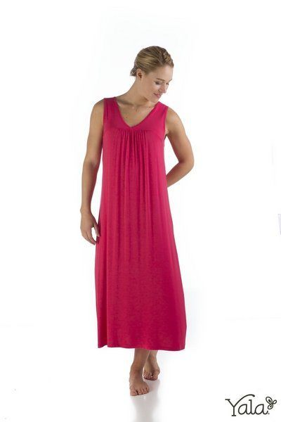 Molly bamboo gown in hibiscus
