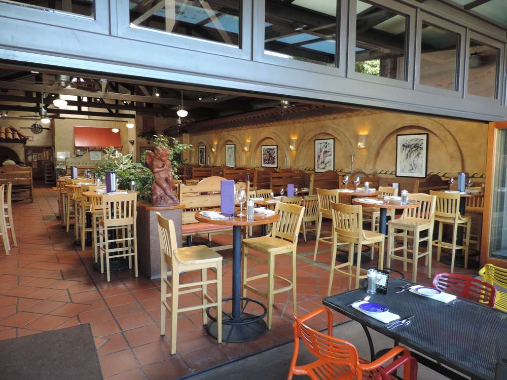 Big Sky Cafe in SLO sits empty on Memorial Day weekend